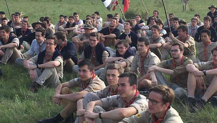 Comme les Scouts unitaires de France (photo), les effectifs les plus nombreux sont des mouvements issus du scoutisme catholique.